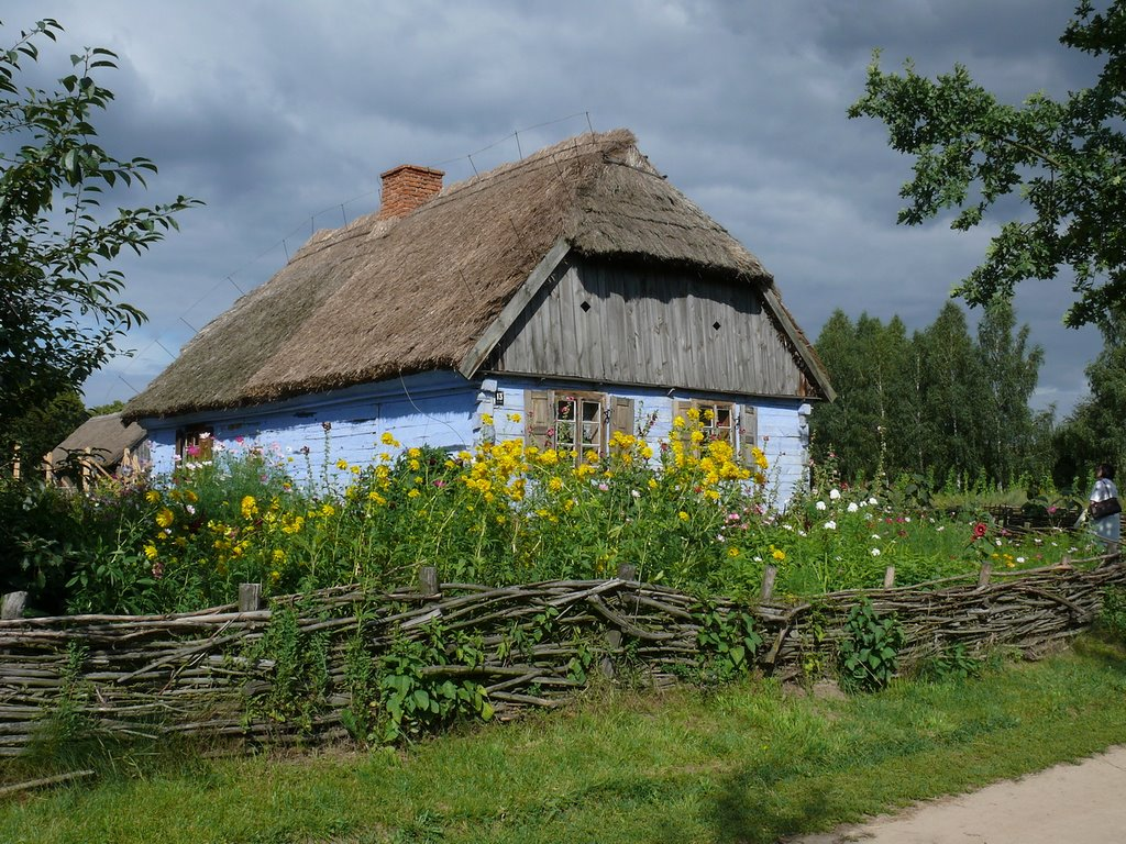 Old Mazovian cottages about  19 the century and older concentrated at Skansen museum.