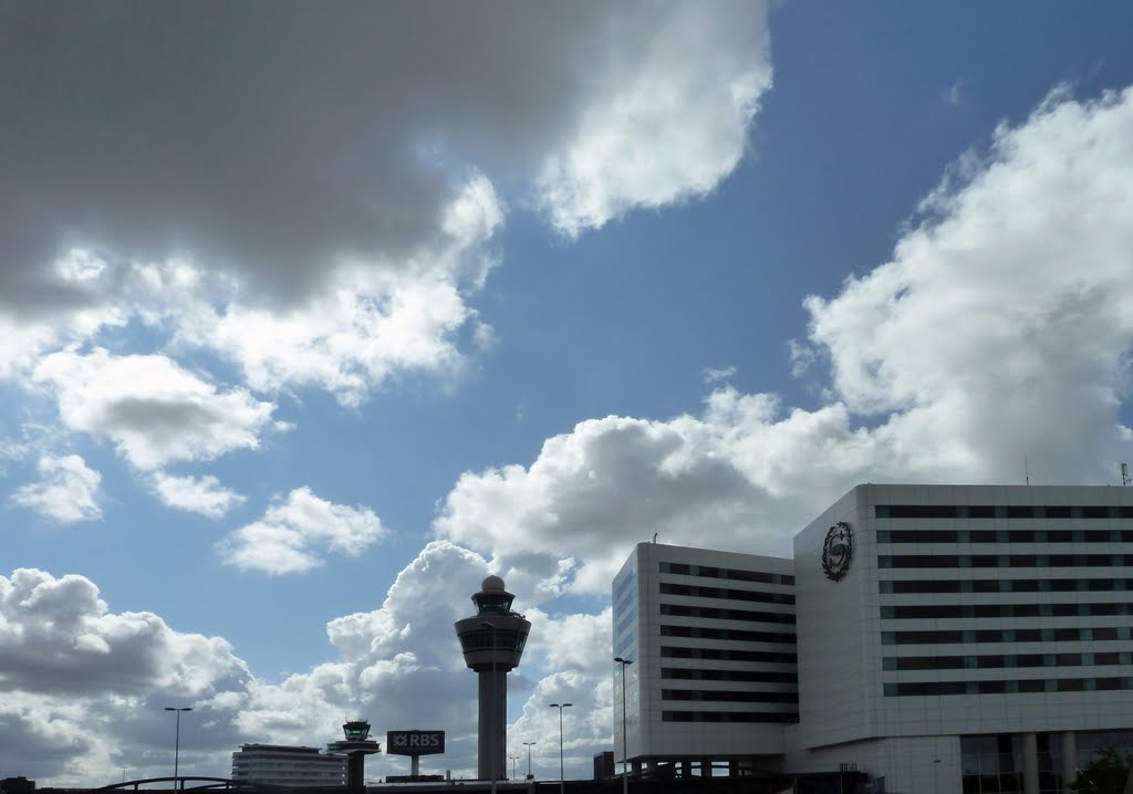 HOLLAND, Schiphol: Airport and Sheraton Hotel near Amsterdam