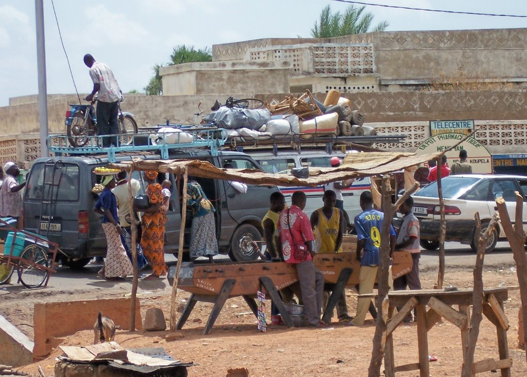 Bustle street at Sapaga, near Koupela, Burkina- Fasso