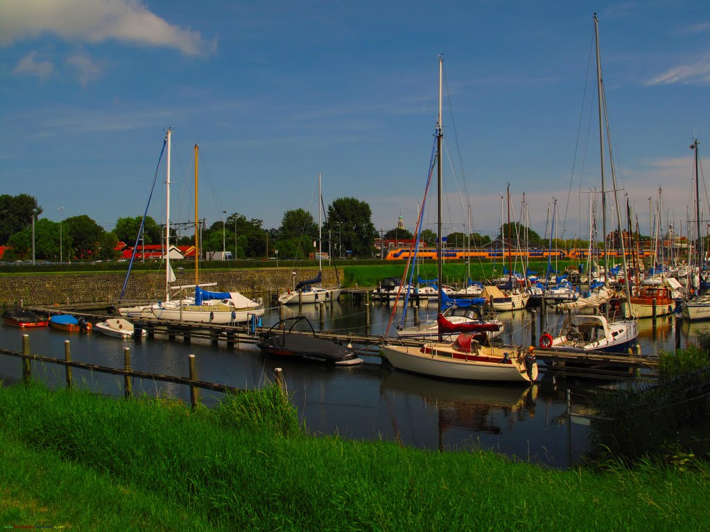 NED Enkhuizen Haven & Station by KWOT