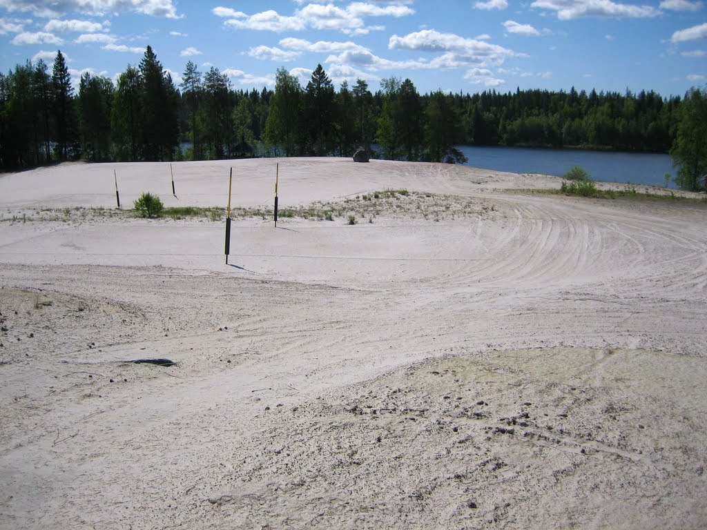 White sands of Hiisijärven hiekat, an ancient glacial lake bottom, June 2007