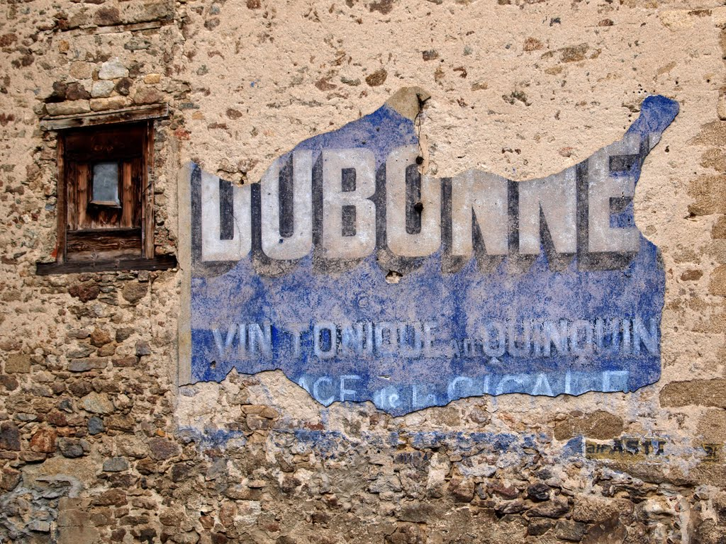 Evocative old sign in Querigut