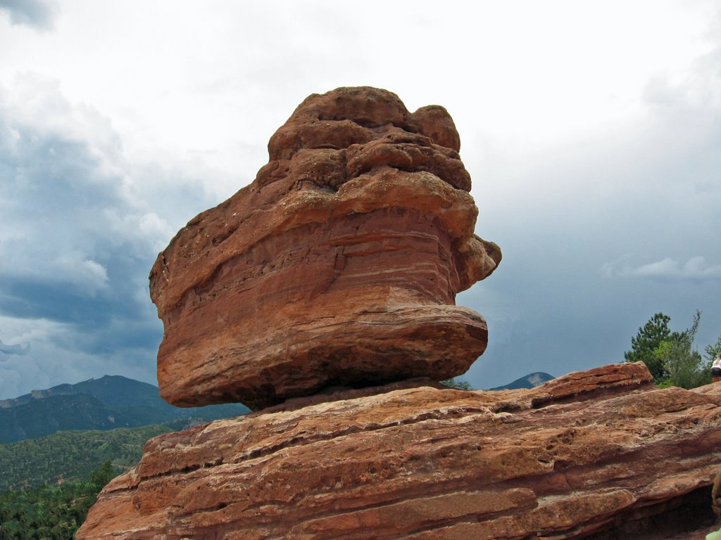 Balanced Rock In The Gardens Of The Gods Colorado Springs