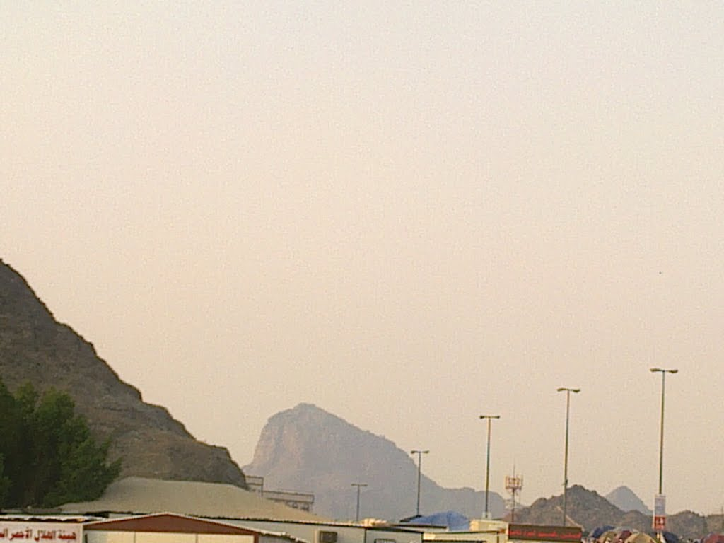 A LONG VIEW OF JABAL NOOR (HIRA CAVE) FROM MINA | Mapio net