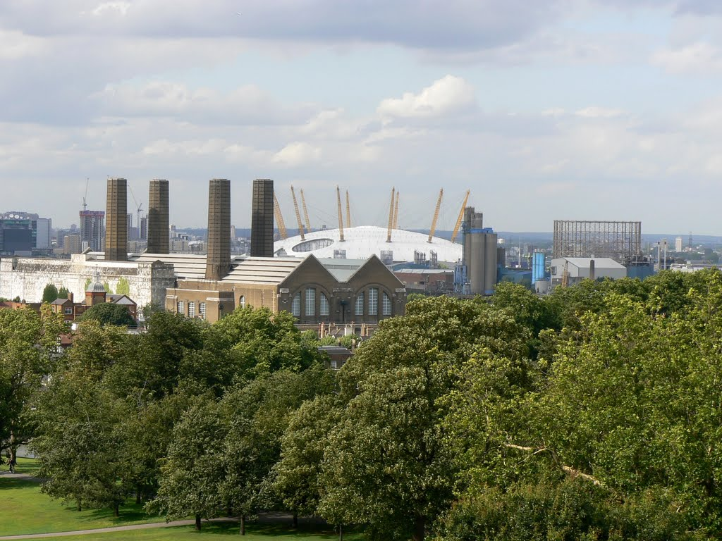 The O2  seen from the Royal Observatory, Greenwich, London, UK.