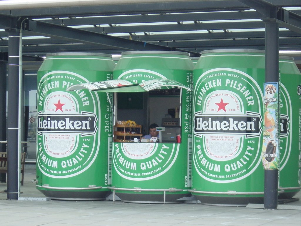 The Coolest Heineken selling point located at Schiphol Airport
