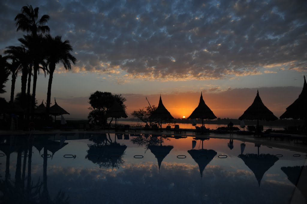 Sunset from the swimming pool of Jolie Ville