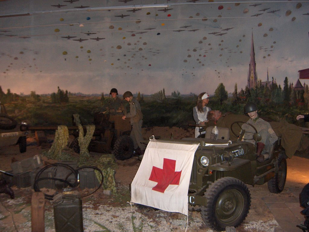 "Diorama WW2 Market Garden (Museum ""Wings Of Liberation""). Including the one and only Jeep (GP)"