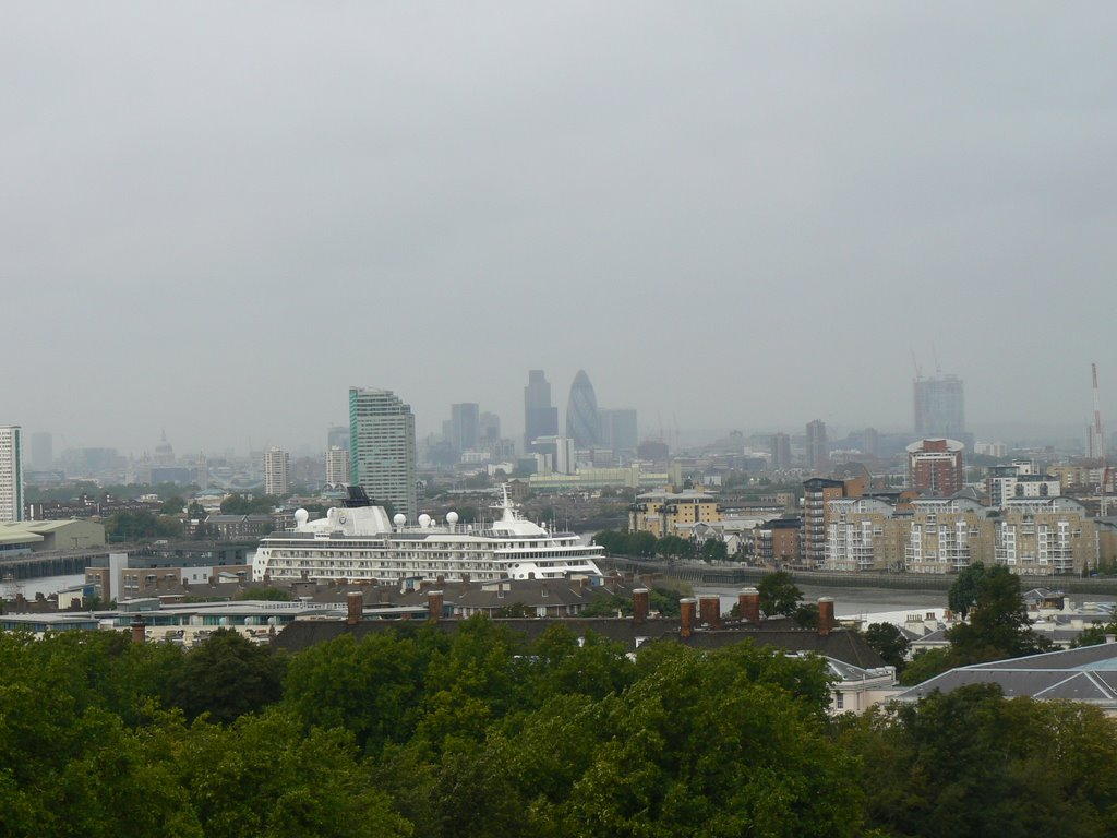 The City and 'The World' ship from Greenwich park