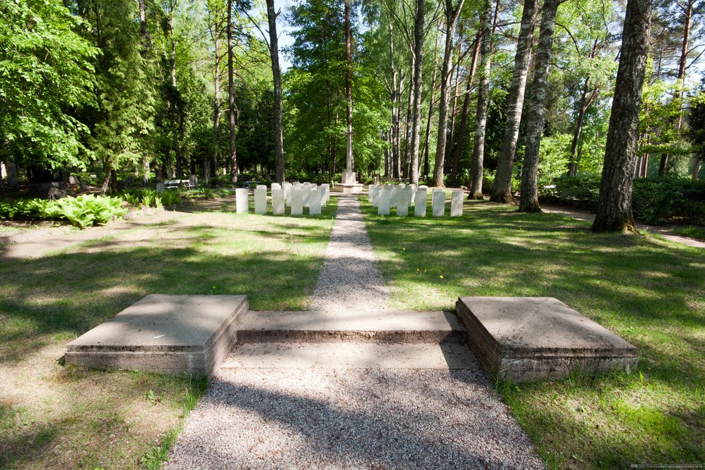 British soldiers' graves and monument at Forest cemetery