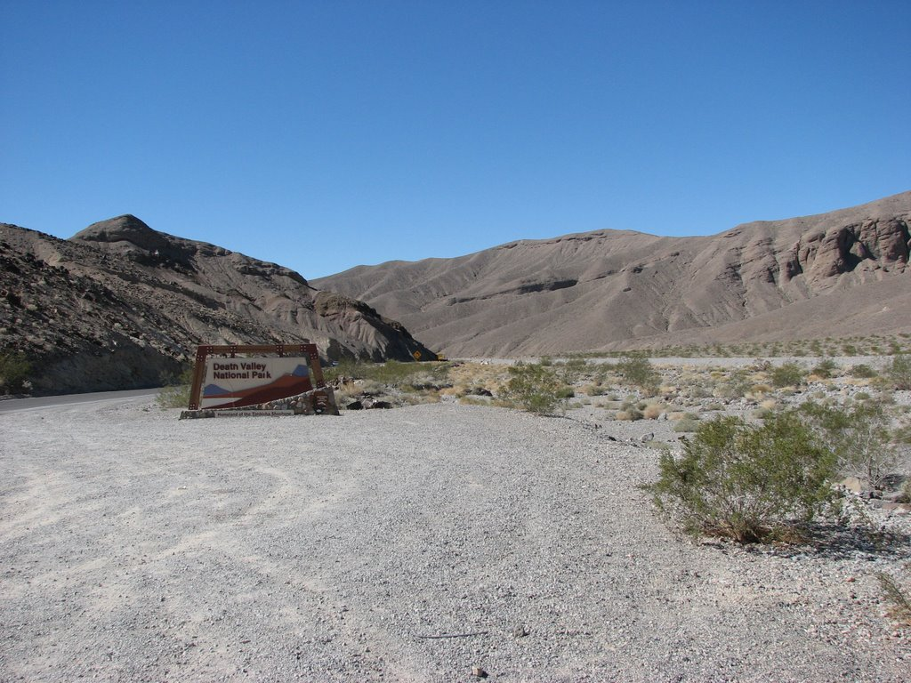Entry to Death Valley