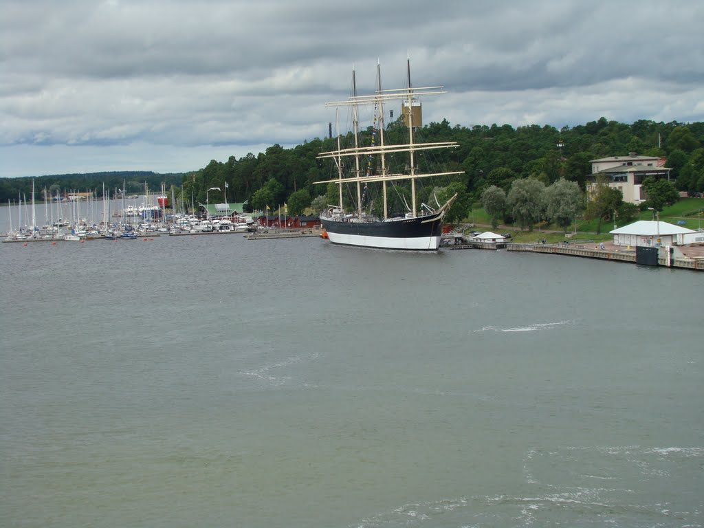 Mariehamn Western Harbour with Pommern Museum Ship