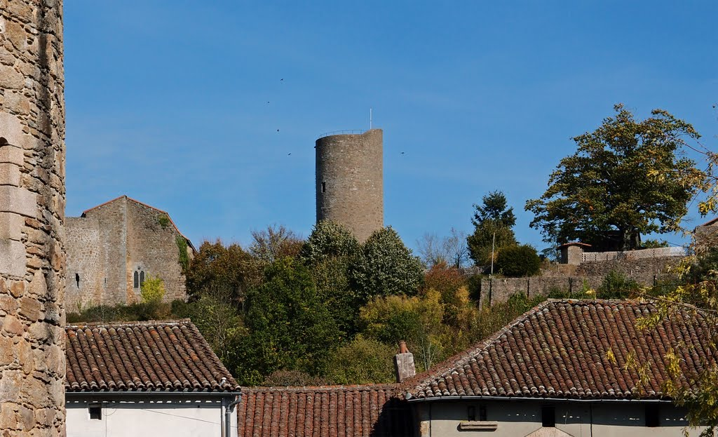 The tower of Chateau Chalus-Chabrol - Oct 2011