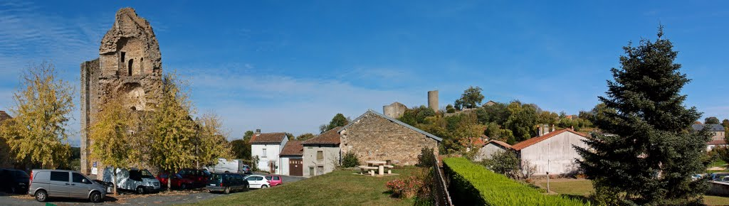 Panorama of Chalus, including Chateau Maulmont and Chateau Chalus-Chabrol behind - Oct 2011
