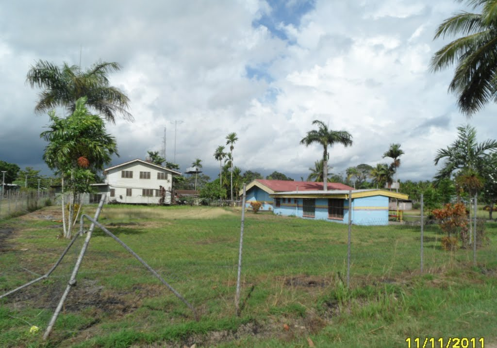 Passing a School Yard in INAUAIA, on 11-11-2011