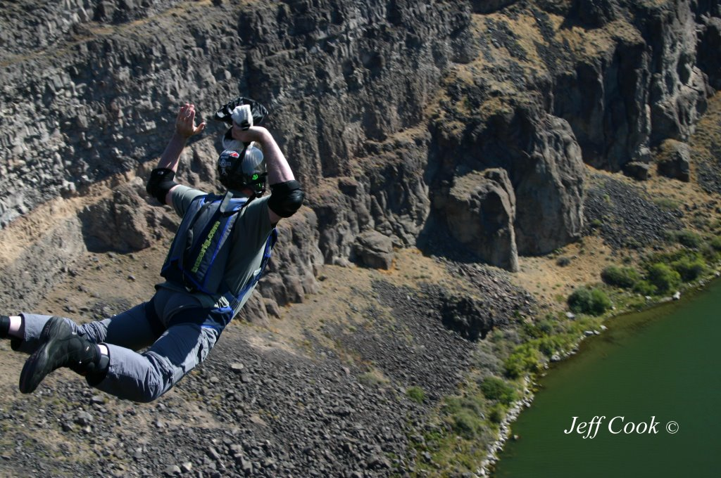 BASE Jumper, Perrine Bridge
