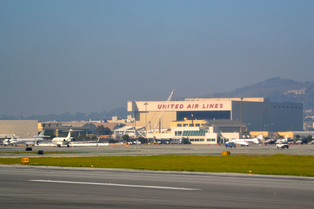 United Air Lines hangar at San Francisco International