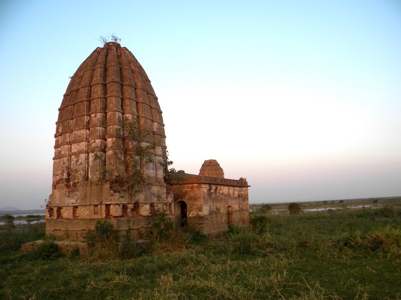 Temple at Pujaripali village ( Submerged in reservoir )