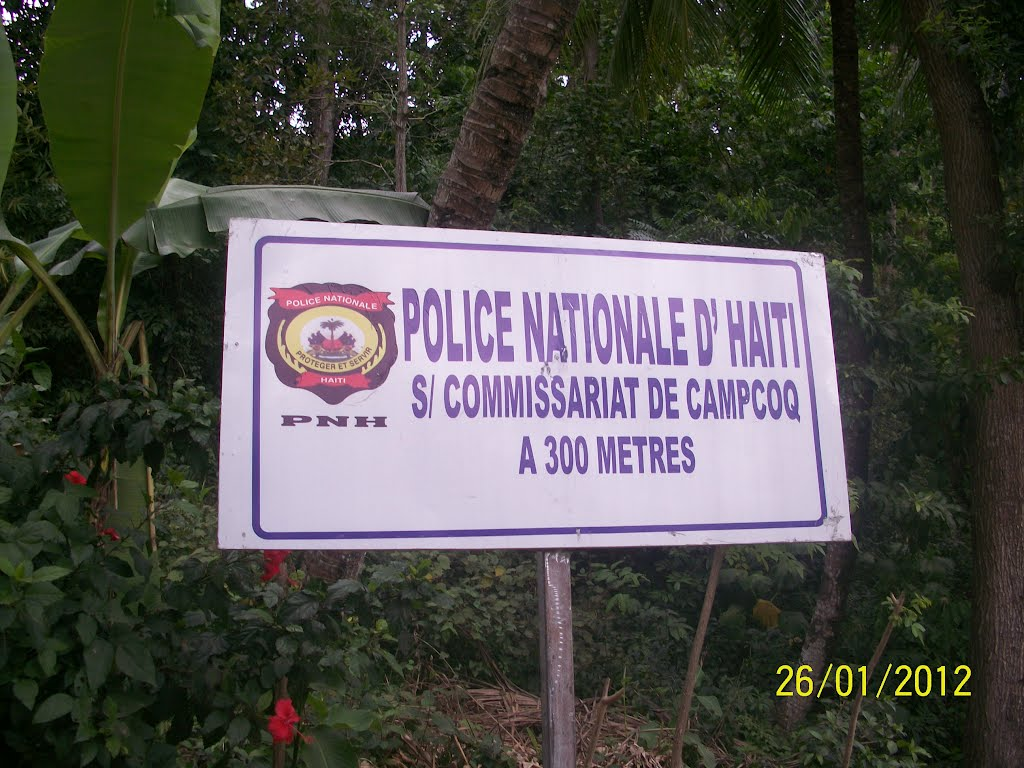 police nationale d'haiti a 300 metres