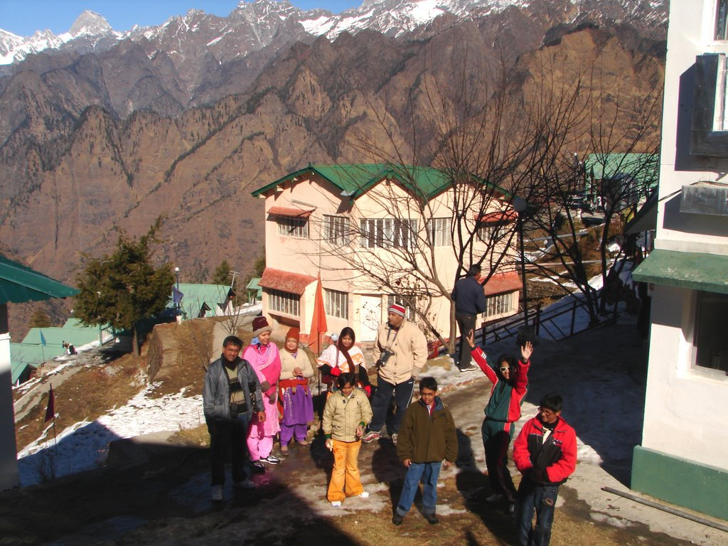 GMVN Guest House - Auli - the 2 storied cottage has 4 double rooms inside