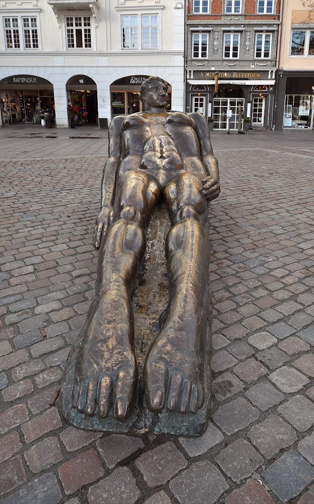 "Sculpture ""Oceania"" by Svend Wiig Hansen on Rådhus (Town Hall) square or Flakhaven square"