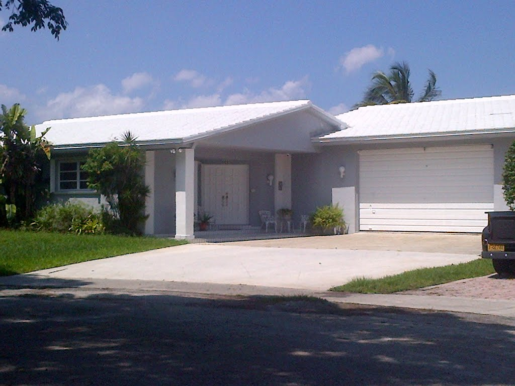 Beautiful Tile Roof By A1 Property Services Miami Lakes FL.