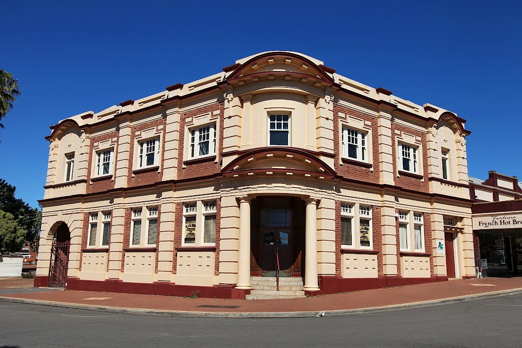 Narrogin - Old A.M.P. Building