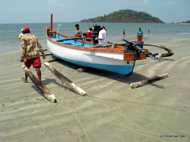 Palolem Beach, South Goa: Local engineering gets the boat on its way