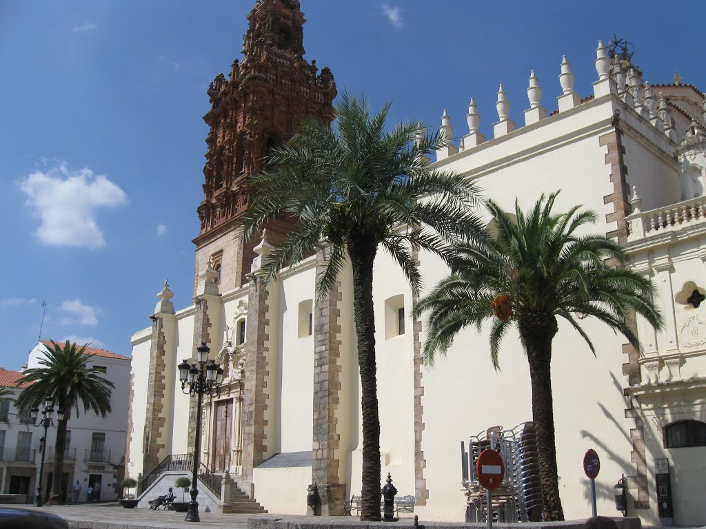 And a final look at the San Miguel church in Jerez de los Caballeros, Spain