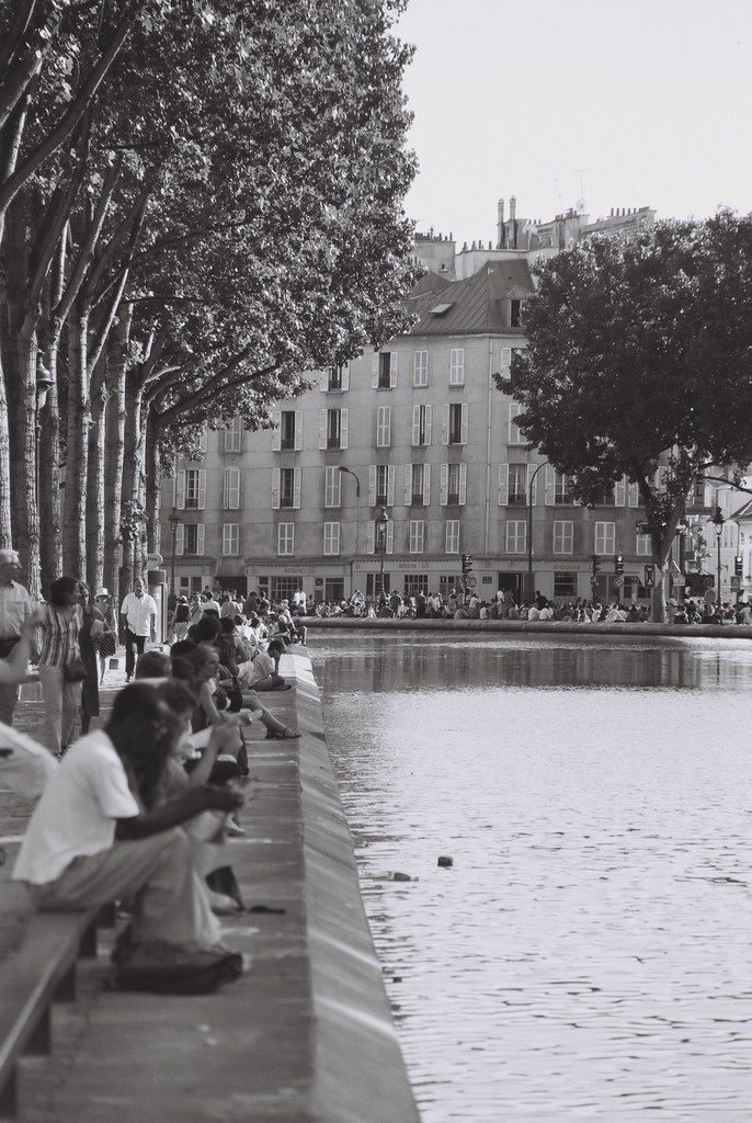 Canal St Martin in summer