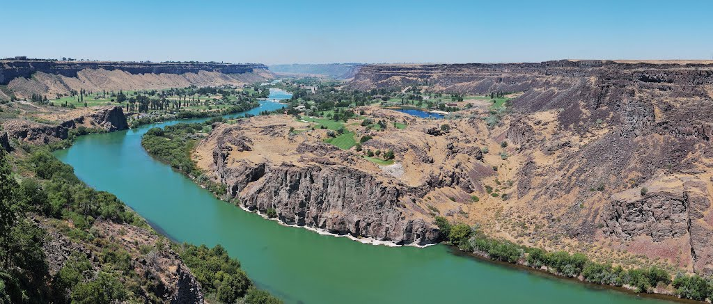 Snake River canyon at the Perrine Bridge panorama, Twin Falls, Idaho (high-resolution)