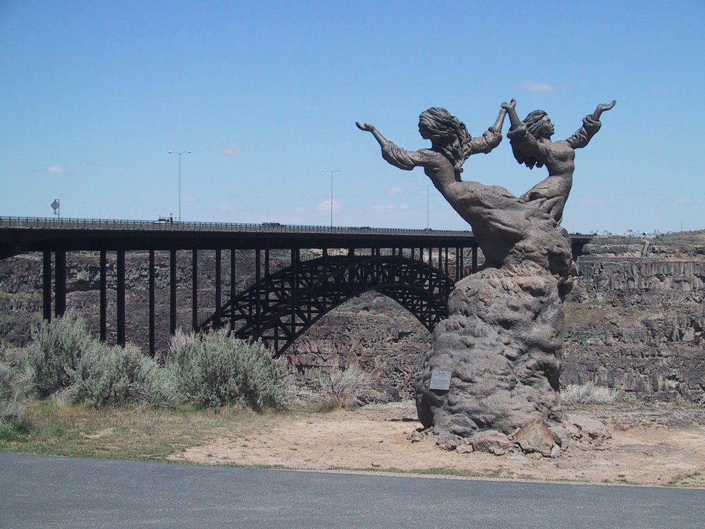 """""""The Twins"""" Sculpture South East Side of Perrine Bridge May 1, 2008"""
